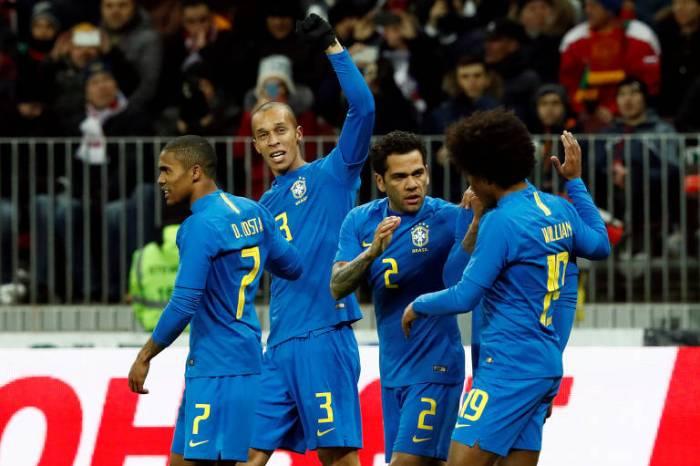 Brasil sofre no 1º tempo e faz 3 a 0 na Rússia em amistoso