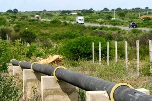 Novo vazamento na adutora do Congo deixa cinco cidades do Cariri sem água