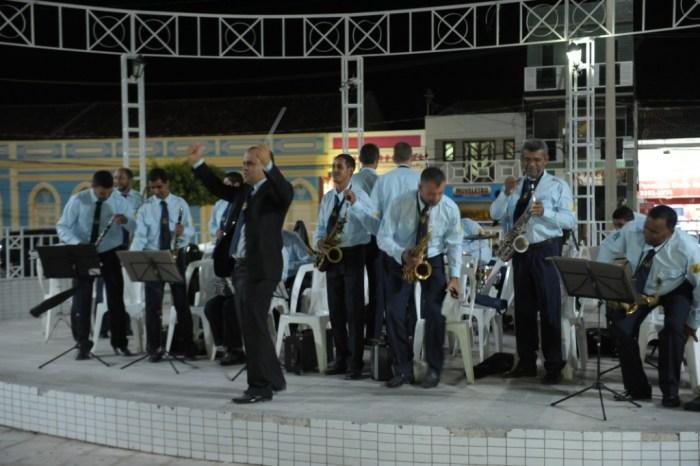 Filarmônica de Monteiro se apresenta mais uma vez no projeto Banda na Praça
