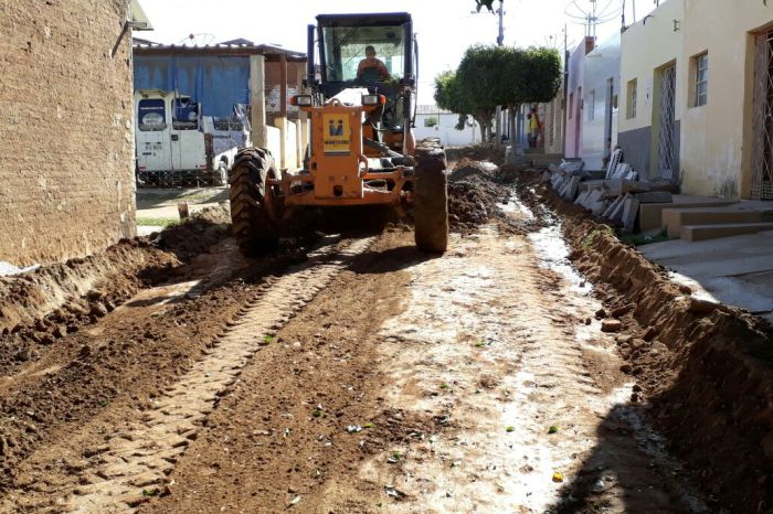 Prefeitura de Monteiro inicia mais obras de pavimentação em cinco ruas da cidade