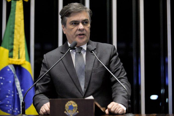 Cássio Cunha Lima cobra solução para combustíveis