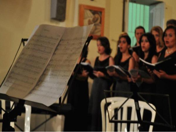 Coral Coro em Canto faz apresentação em Campina