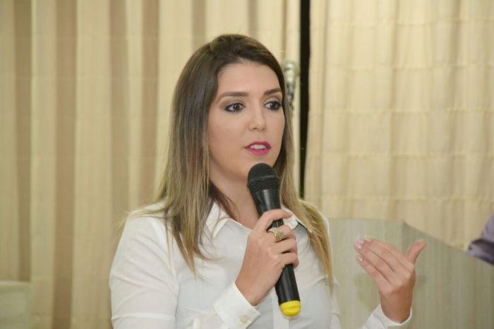 Prefeita Anna Lorena assegura recursos para área de infraestrutura e saúde de Monteiro