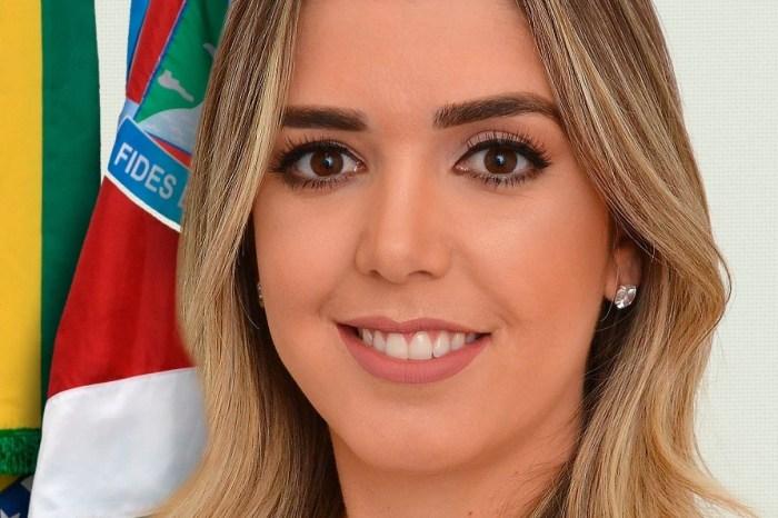 Prefeita Anna Lorena emite nota de felicitações para o ano de 2020