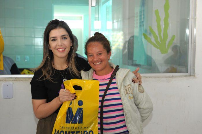 Prefeita Anna Lorena cumpre agenda junto à população monteirense