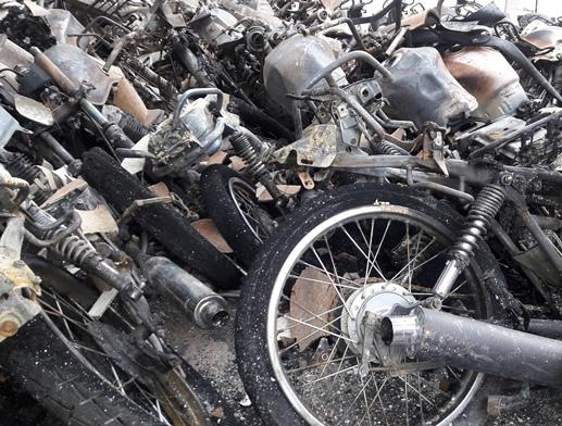 Incêndio em Fórum destrói centenas de veículos e processos