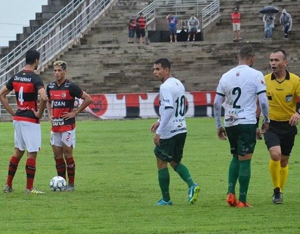 Em estreia fria, Campinense arranca vitória de 1 a 0 sobre Flu de Feira