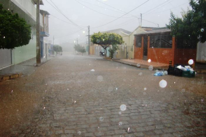 Meteorologista explica causas das fortes precipitações chuvosas no Cariri e Sertão