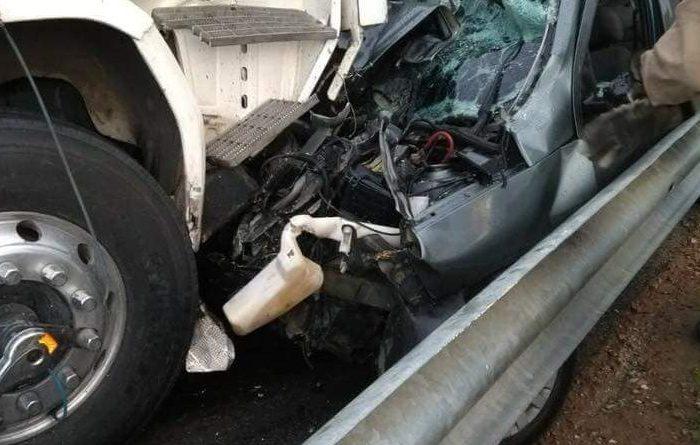 Colisão entre carreta e carro de passeio faz duas vítimas na BR 104 no Cariri