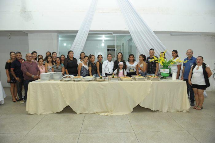 Prefeitura Municipal de Monteiro entrega certificados do Curso de Gastronomia