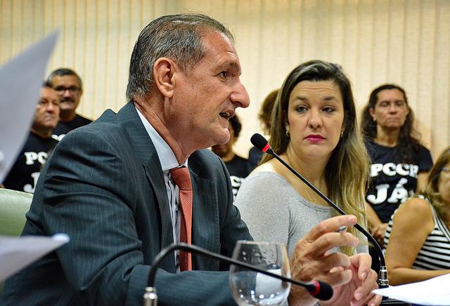 Hervázio analisa revogar guarda pessoal para ex-governadores