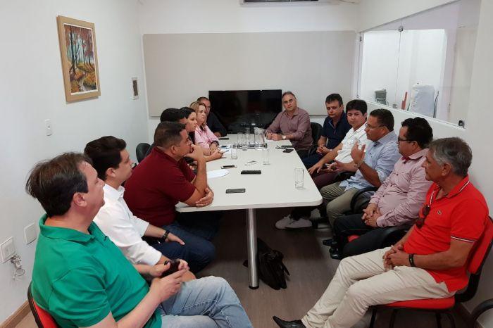 Lucélio recebe apoio de mais oito prefeitos a sua pré-candidatura
