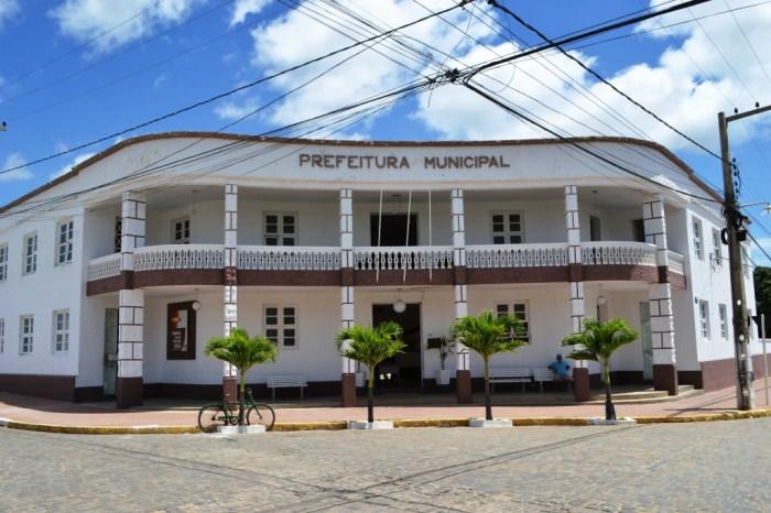 Prefeita de Monteiro decreta ponto facultativo nas repartições municipais nesta segunda