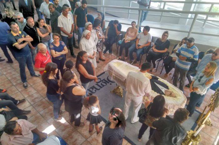 Corpo de Rômulo Gouveia é velado em Campina Grande