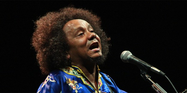 Paraibano Chico César vence 29º Prêmio da Música Brasileira