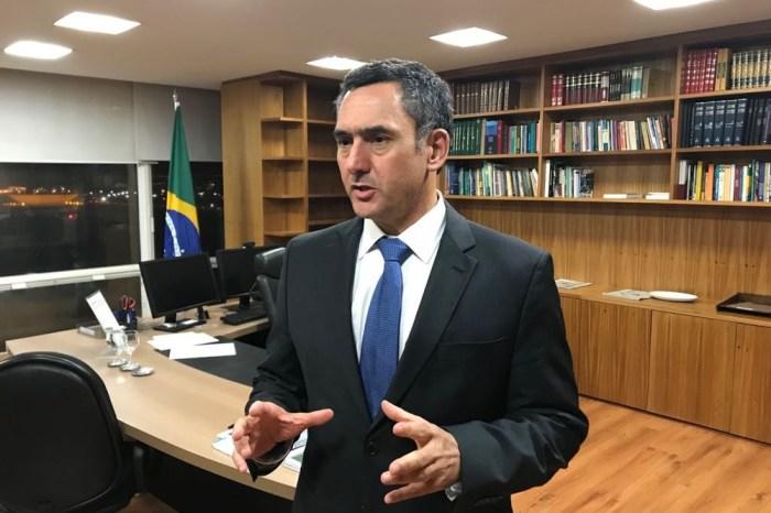 Governo trabalha para viabilizar megaleilão de petróleo, diz Guardia