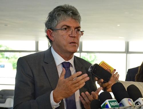 Ricardo Coutinho pede afastamento de Moro e Dallagnol