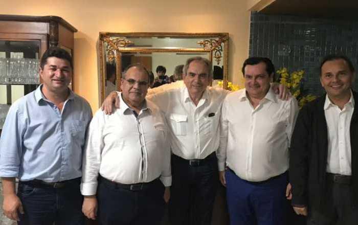 Rômulo Gouveia se reúne com Ministro e solicita retomada da Operação Pipa no Cariri