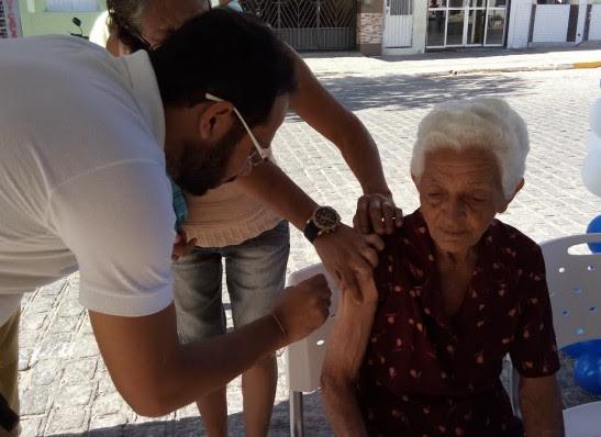"""12 de maio será o """"Dia D"""" de vacinação contra o Vírus Influenza na cidade de Monteiro"""