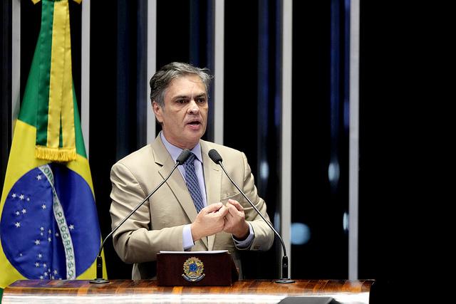 Cássio assume presidência do Senado e interrompe campanha por dois dias