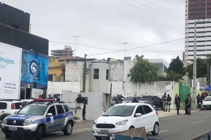 PM prende suspeitos envolvidos em tiroteio em CG