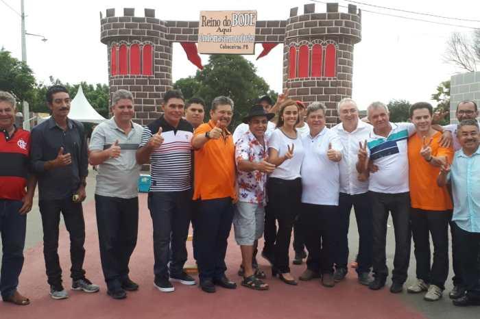 João Azevêdo prestigia 20ª edição da tradicional Festa do Bode Rei, em Cabaceiras