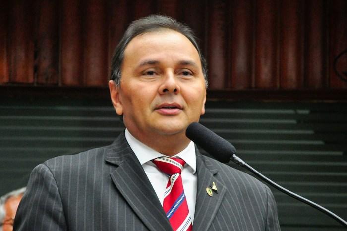 Deputado Manoel Ludgério é vítima de tentativa de assalto