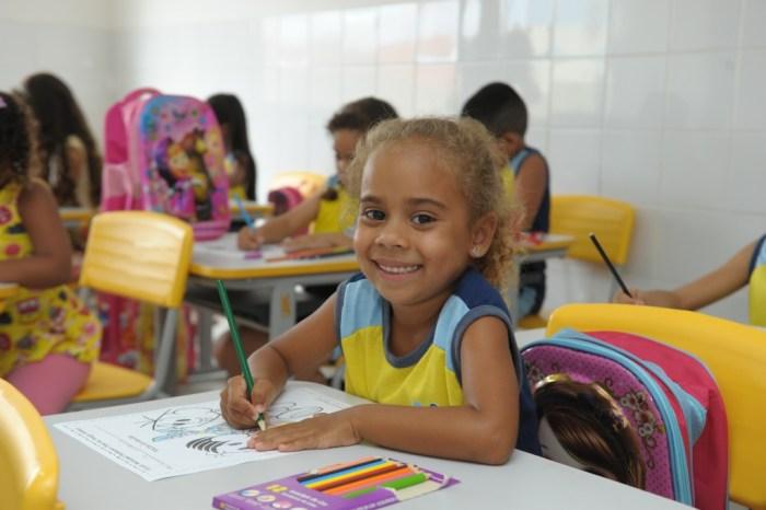 Rede Municipal de Ensino retorna às aulas nesta segunda-feira em Monteiro