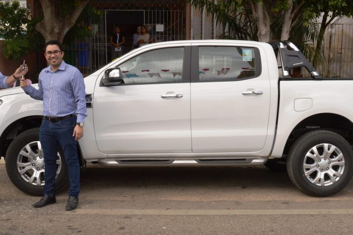 Prefeito Éden Duarte entrega veiculo 0KM para Educação do Município de Sumé