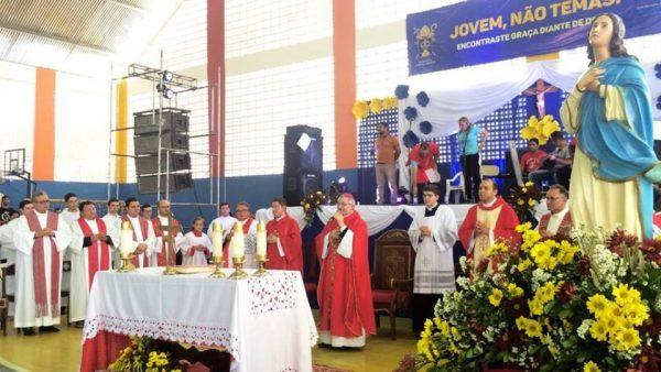 Jornada da Juventude em Sumé reúne 1.500 jovens de 19 cidades do Cariri