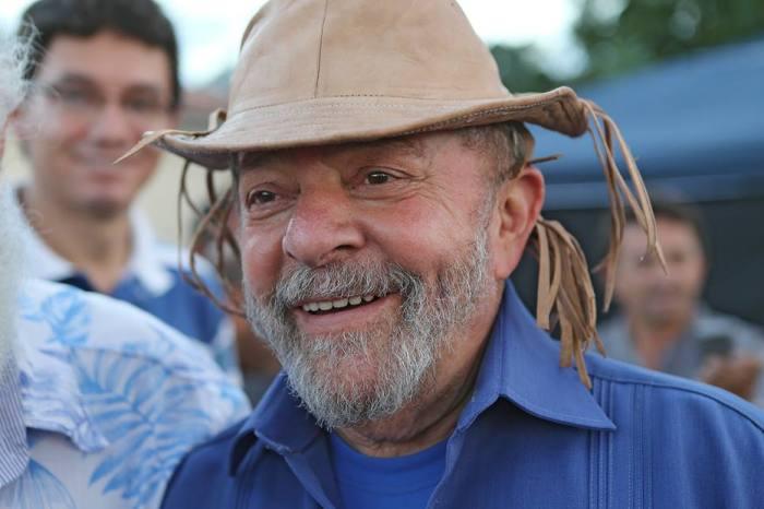 Favreto dá prazo de uma hora para soltar Lula