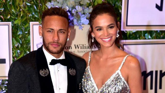 Bruna Marquezine revela se vai morar com Neymar Jr. em Paris