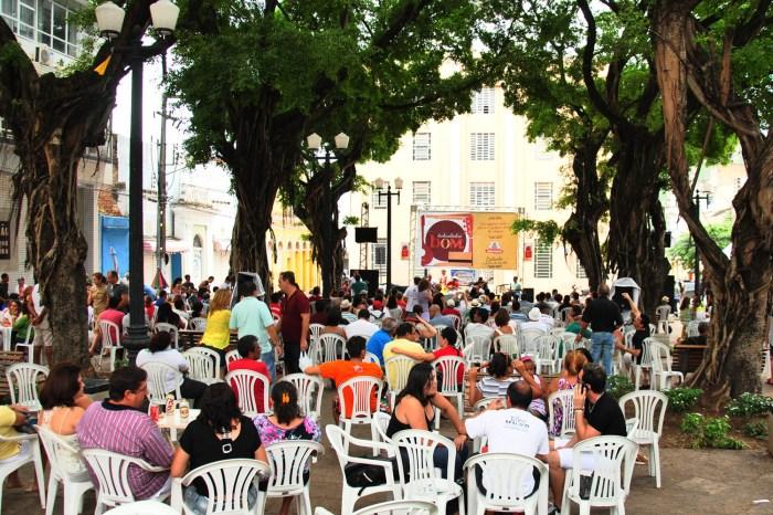 Sapateado e samba no pé são atrações do Sabadinho Bom