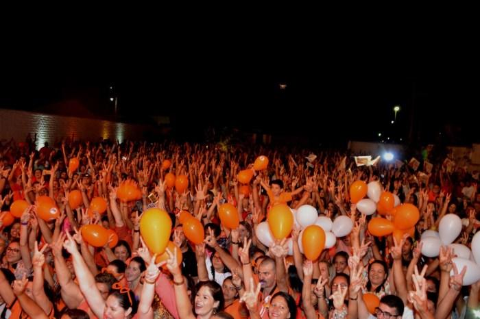 Multidão prestigia lançamento da candidatura de Carlos Batinga