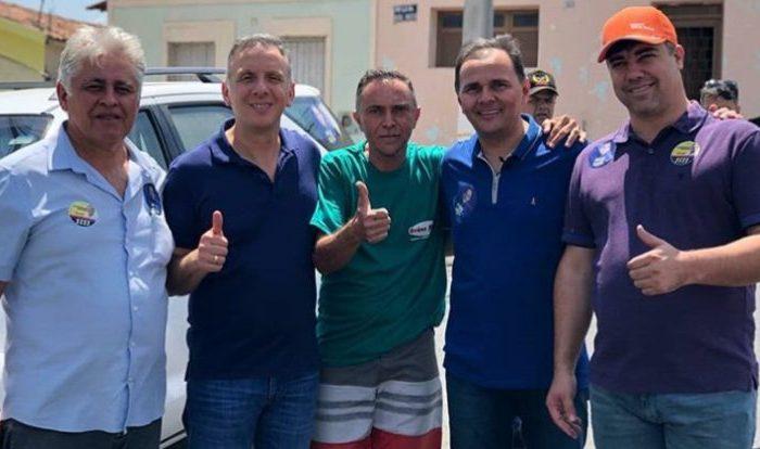 João Paulo Segundo recepciona deputados na feira e destaca emendas de Aguinaldo Ribeiro
