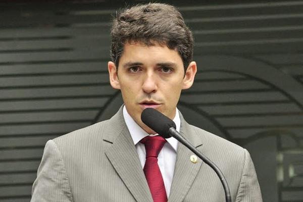 Tovar Correia Lima cobra explicação sobre falta de água em Ouro Velho