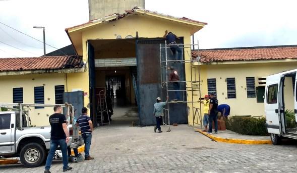 Dois dias depois, quase 50 presos continuam foragidos do PB-1