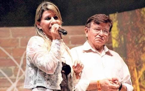 EM CIMA DO MURO: João Henrique faz campanha isolada ao lado da esposa Edna Henrique
