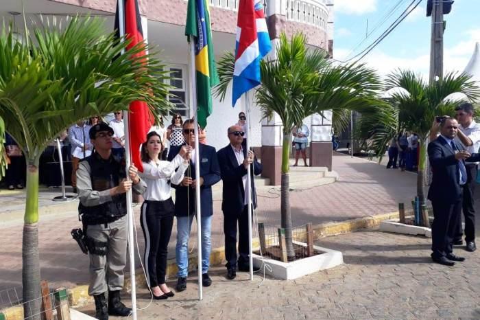 Semana da Pátria é oficialmente aberta pela prefeita Anna Lorena com estudantes e autoridades