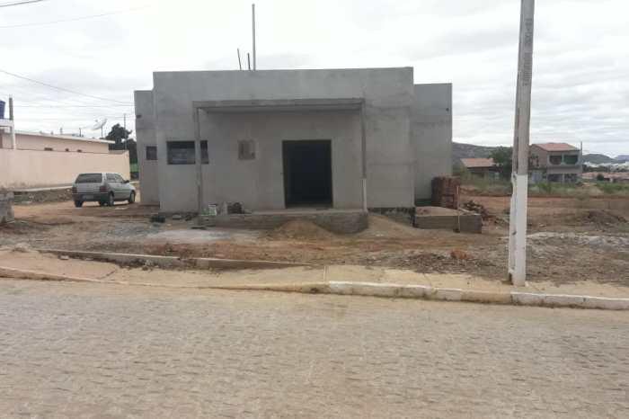 Prefeitura de Sumé segue construindo Praça Pública no Conjunto Pedro Ferreira Filho