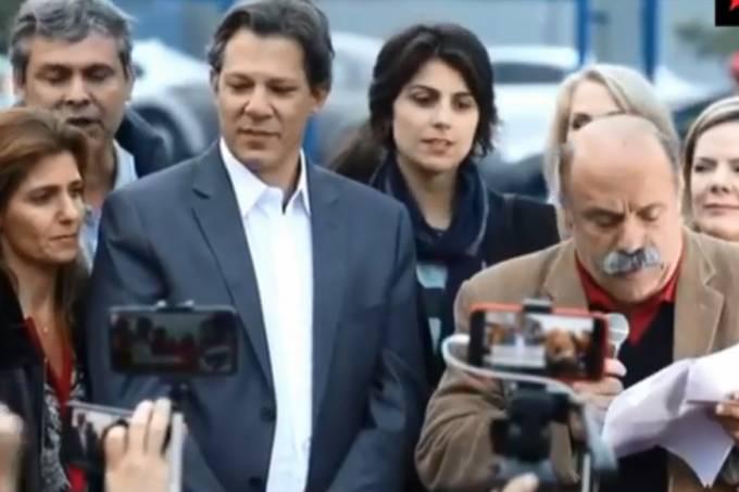 Em campanha, Haddad exalta Lula e pede 'resposta ao golpe'