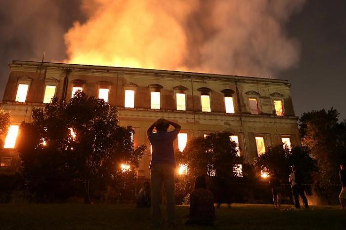 Completa um mês incêndio no Museu Nacional no Rio de Janeiro