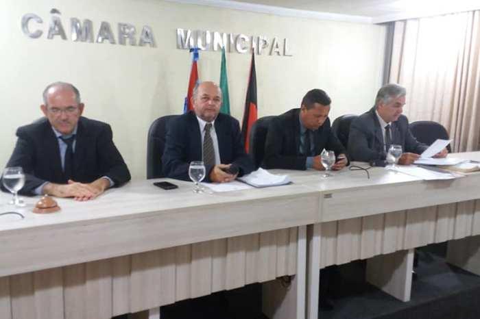 Com ausência de aliados, vereadores aprovam contas da ex-prefeita de Monteiro