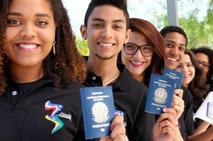 Dois paraibanos são selecionados no 'Jovens Embaixadores' para os EUA