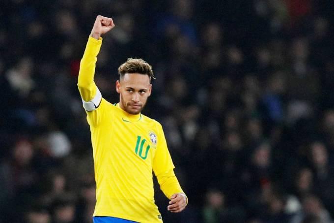 Com gol de pênalti de Neymar, Brasil vence o Uruguai por 1 a 0
