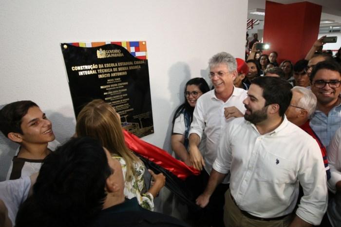 Ricardo inaugura Escola Técnica de Serra Branca e atende mais de 1.400 alunos
