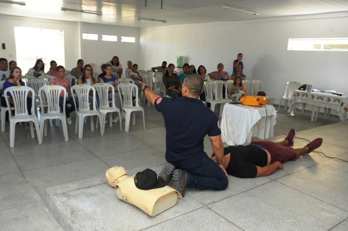População e funcionários da Prefeitura de Monteiro participam de cursos de aprimoramento