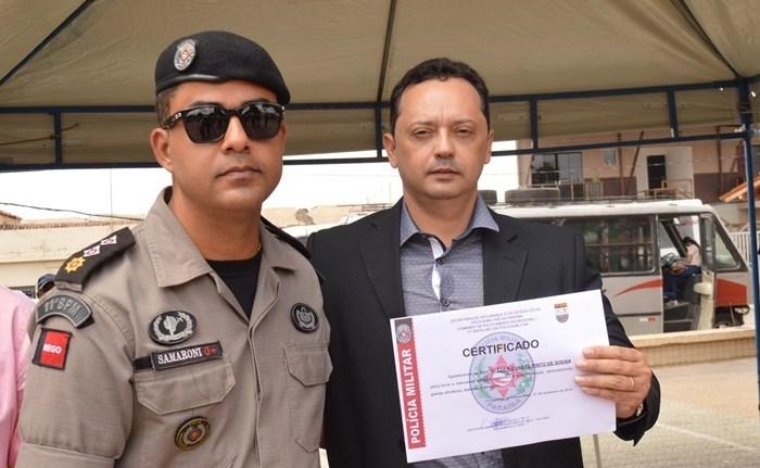 Prefeito Éden Duarte e secretários recebem certificado Amigos da Polícia