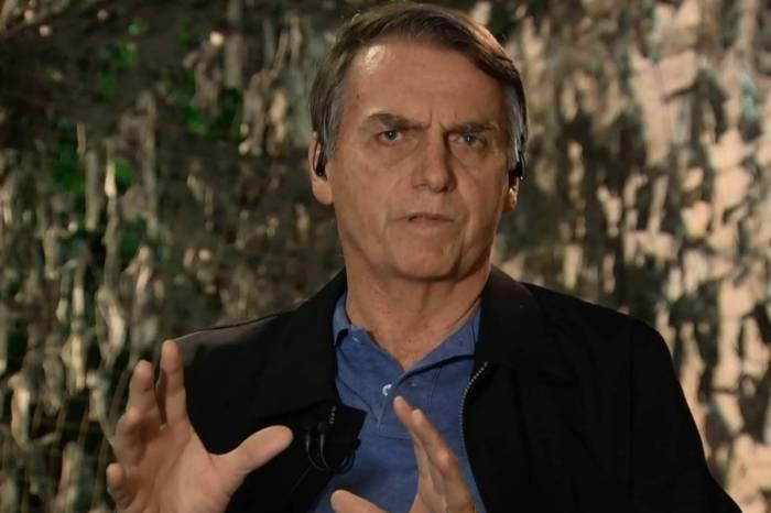 Reforma de Bolsonaro prevê idade mínima de 65 anos para homens e mulheres