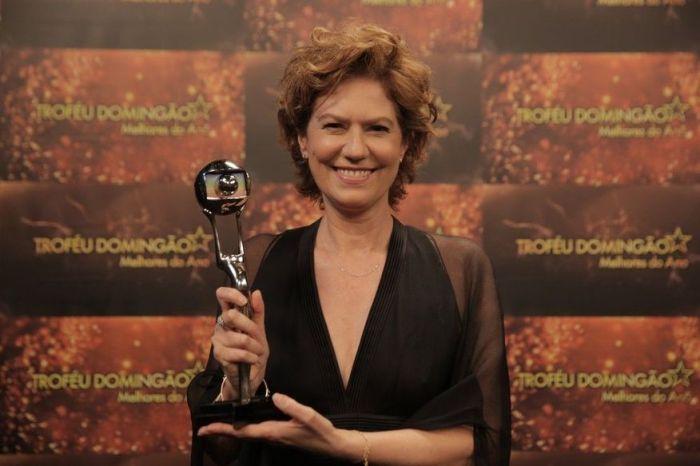 Em premiação, Patrícia Pillar agradece ao povo de Cabaceiras